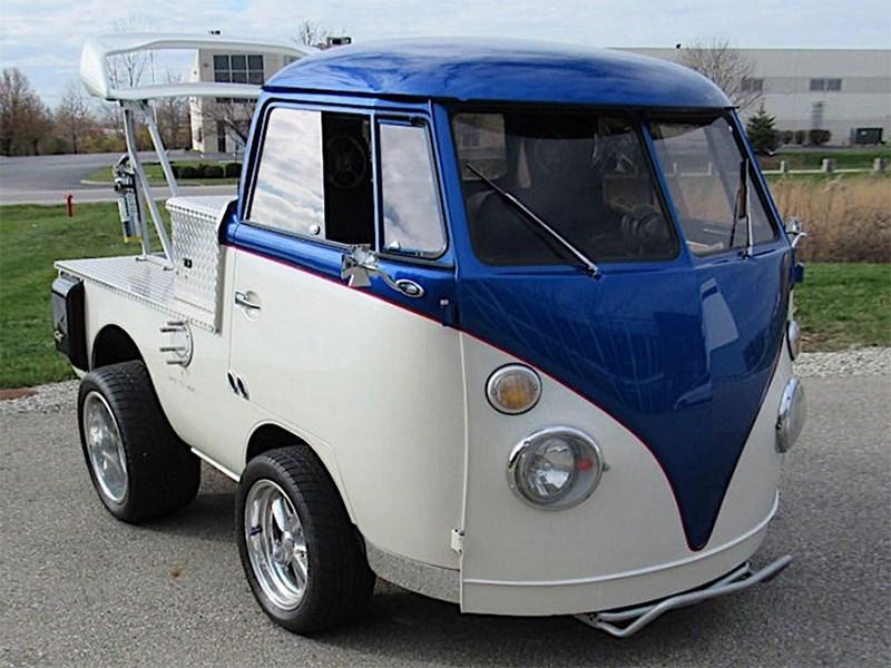 Знаменитый Volkswagen Bulli переделали в хот-род
