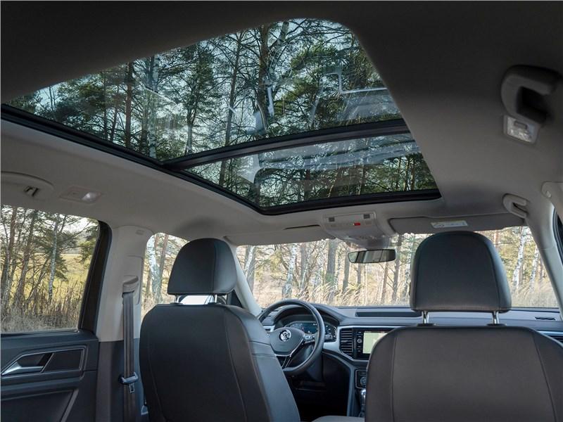 Volkswagen Teramont (2018) панорамная крыша