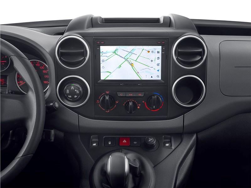 Citroen Berlingo Multispace (2019) центральная консоль