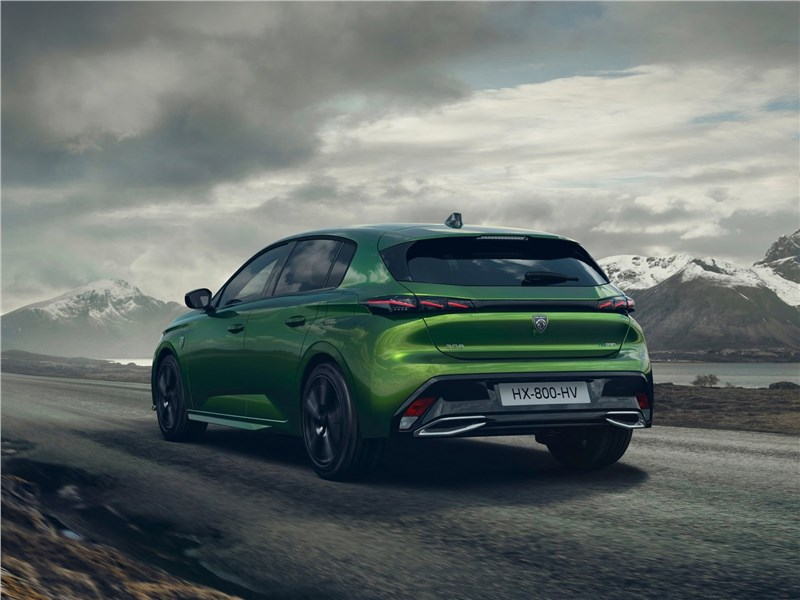 Peugeot 308 (2022) вид сзади