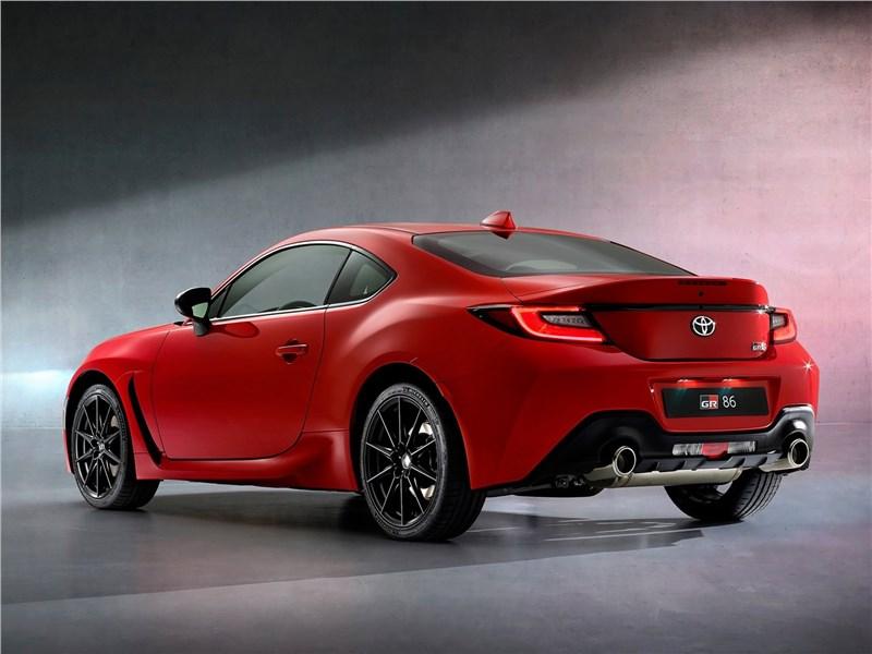 Toyota GR 86 (2022) вид сзади