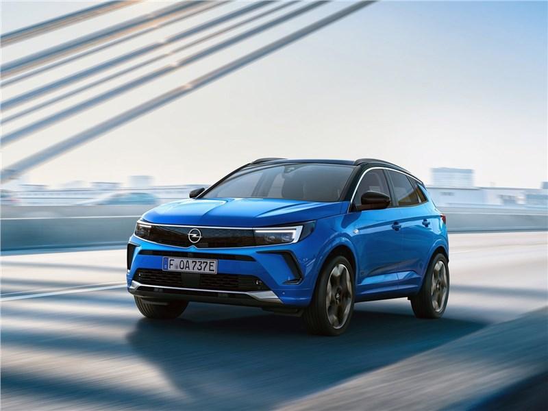 Opel Grandland (2022) вид спереди
