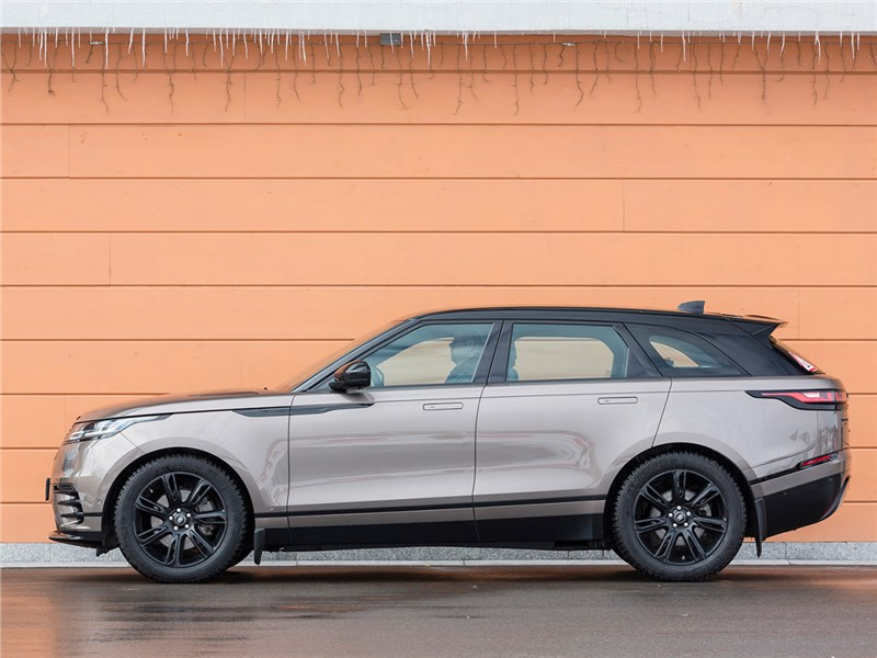 Range Rover Velar 2017 вид сбоку