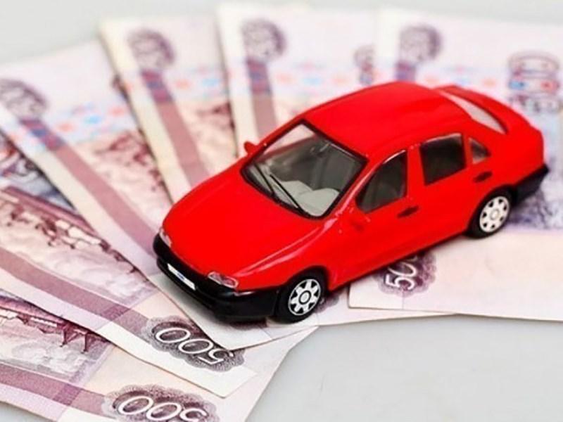 Средневзвешенная цена автомобиля за год почти не изменилась