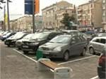 Водителям в Москве разрешили парковаться на тротуарах