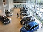 АЕБ: Продажи автомобилей в России выросли на 77%