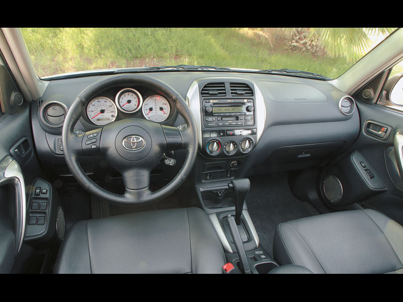 Mitsubishi Outlander, Honda CR-V, Toyota RAV4