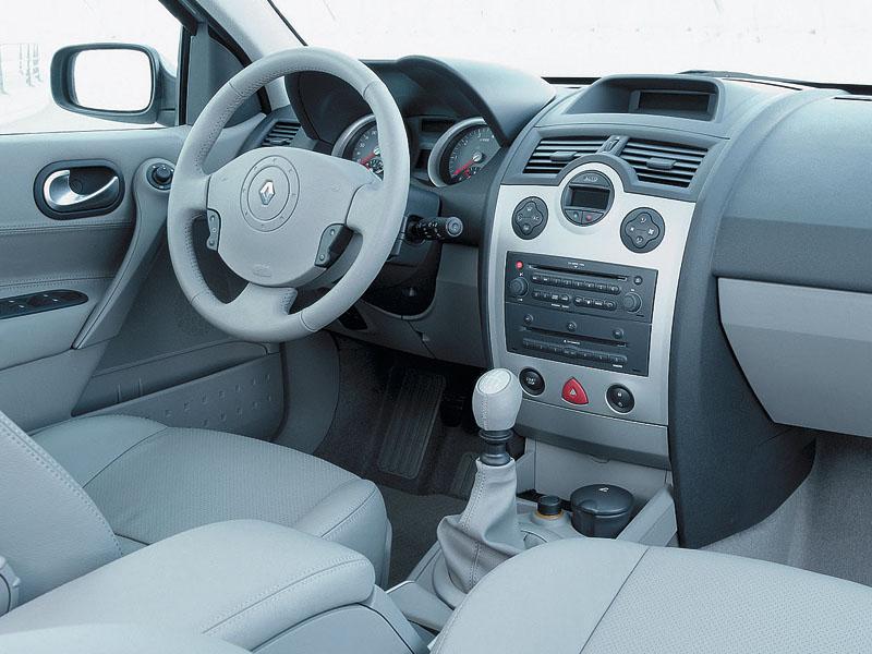 В авангарде стиля (Renault Megane II, Peugeot 307, Citroёn C4 (2007))