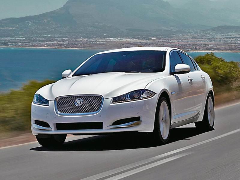 Новый Jaguar XF - Равнение на старших