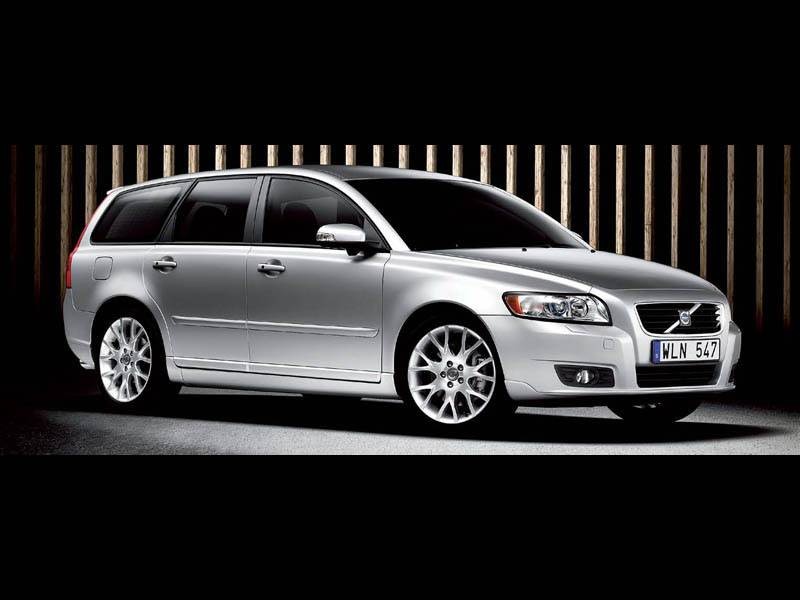 "Новый Volvo S40 - Маленькие ""Volvo"" обновились"
