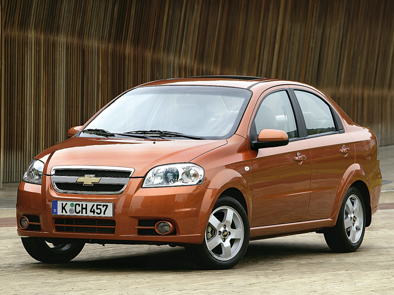 chevrolet aveo vs renault logan