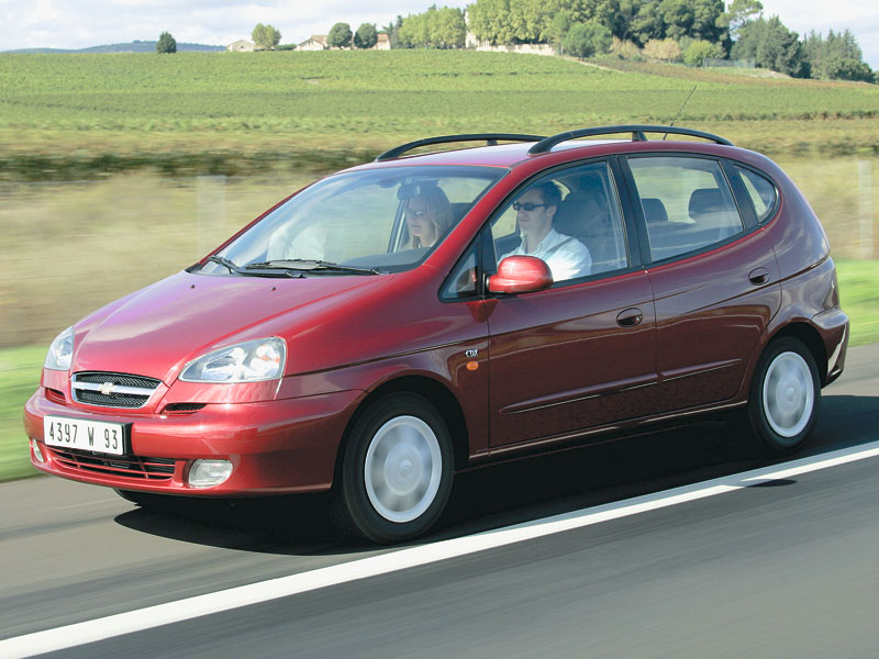 Chevrolet Rezzo, Citroen Xsara Picasso, Ford C-Max, Mercedes-Benz B-Class, Volkswagen Touran, Opel Zafira, Skoda Roomster, Renault Scenic, Toyota Corolla