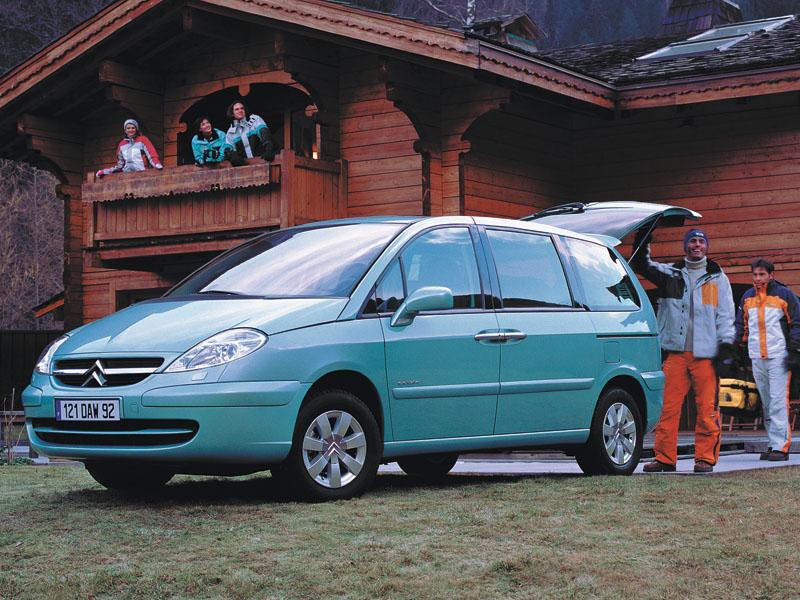 Renault Espace, Mitsubishi Grandis, Hyundai Trajet, Citroen C8, Peugeot 807, Volkswagen Sharan, Chrysler Voyager, Ford Galaxy, Ford S-Max