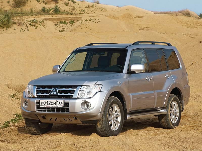 "Покорители ""off-road"" (Nissan Patrol,Toyota Land Cruiser 100,Lexus LX,Mitsubishi Pajero) Pajero поколение IV"
