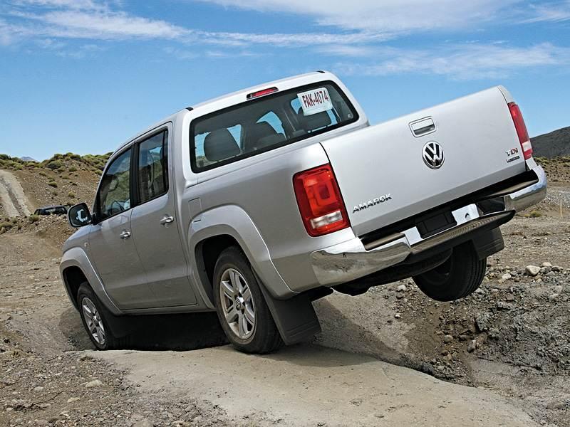 Volkswagen Amarok 2010 испытание диагональным вывешиванием