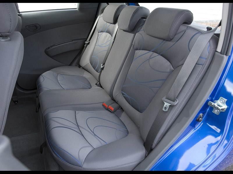 Chevrolet Spark (2010) задний диван