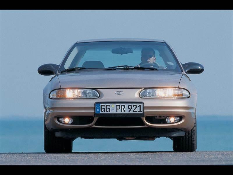 Chevrolet Alero 1999 вид спереди