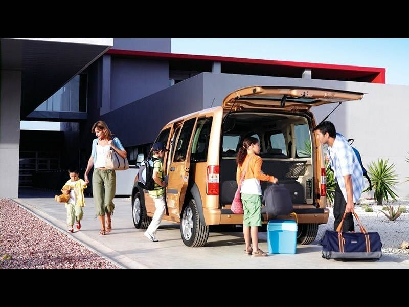 Ford Tourneo Connect 2008 как семейный минивэн фото 2