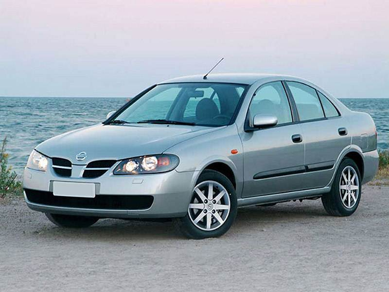 На все случаи жизни (Renault Scenic, Mitsubishi Space Star, Opel Zafira, Nissan Almera Tino) Almera поколение N16