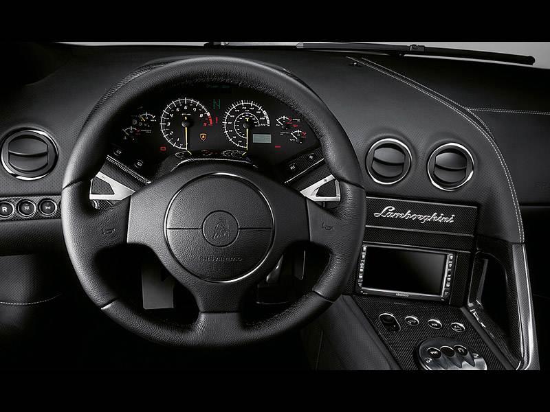 Приборы и органы управления Lamborghini Murcielago 2006