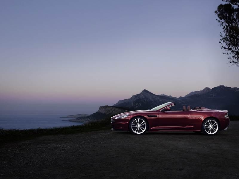 Aston Martin DBS 2009 вид сбоку
