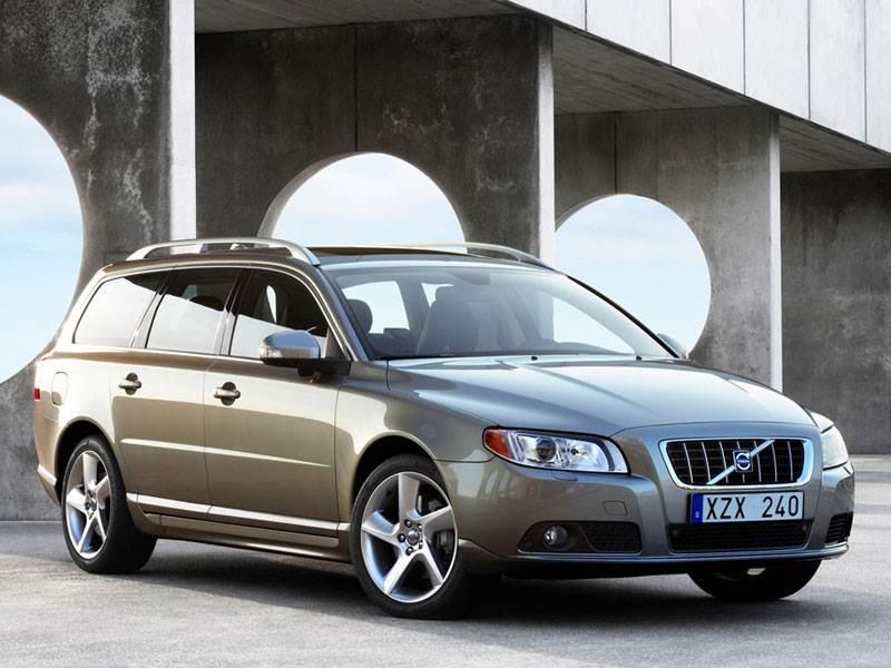 Volvo V70 2007 продолжает линейку больших универсалов