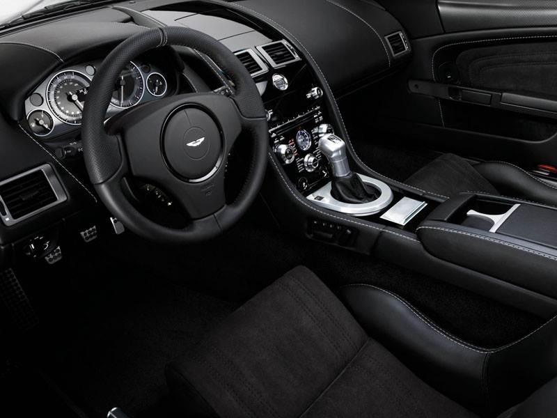 Aston Martin DBS 2009 всалон