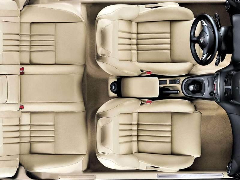 Alfa Romeo 147 2000 салон