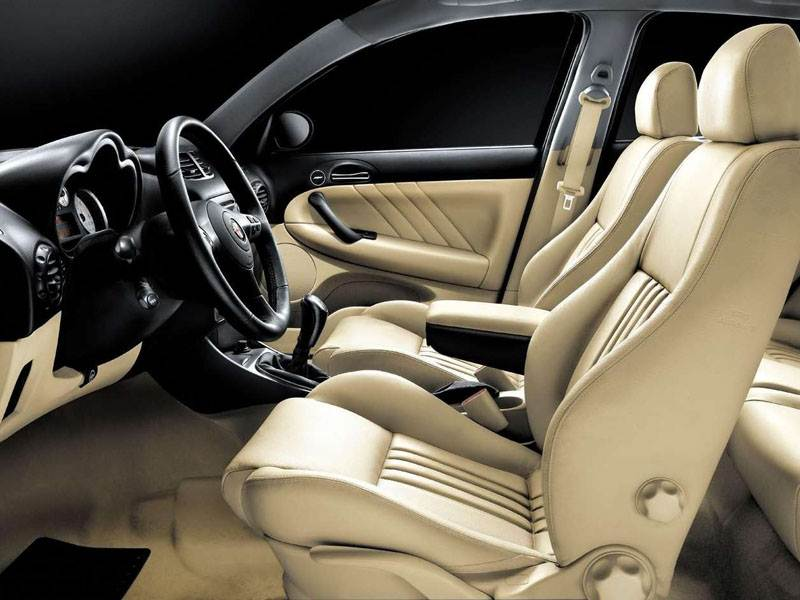 Alfa Romeo 147 2000 передние кресла