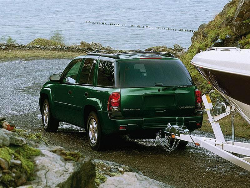 Chevrolet TrailBlazer 2001 часто используется как тягач прицепа
