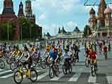 В Москве прошел велопарад Let's bike it
