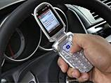 Более половины водителей в России отвлекаются на мобильные за рулем