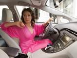 За 5 лет в 2 раза выросло количество женщин-водителей в России