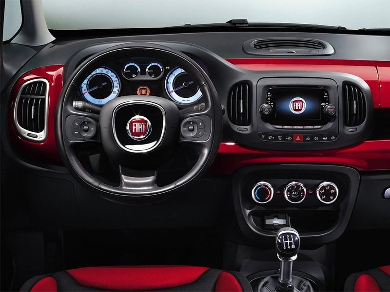 Fiat 500L 2014 водительское место