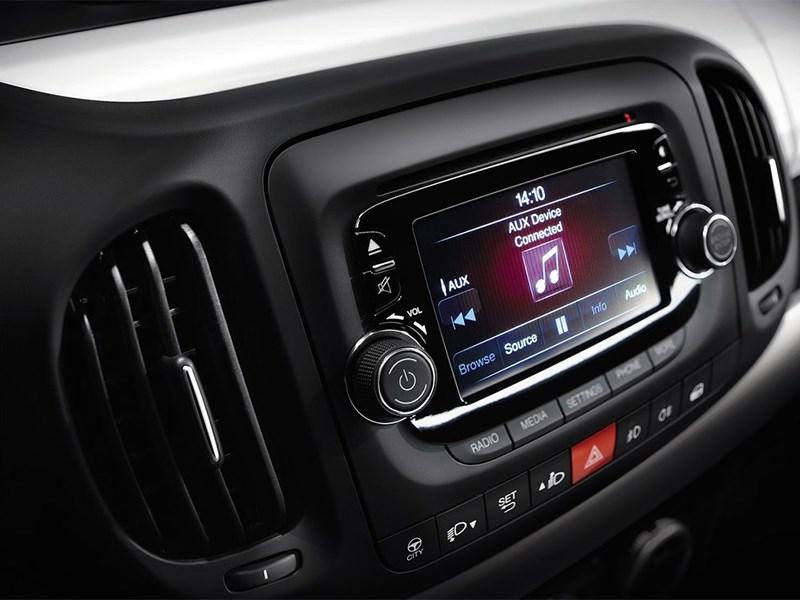 Fiat 500L 2014 монитор