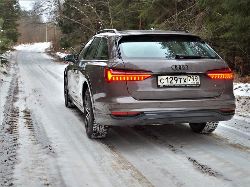 Audi A6 allroad quattro (2020) вид сзади