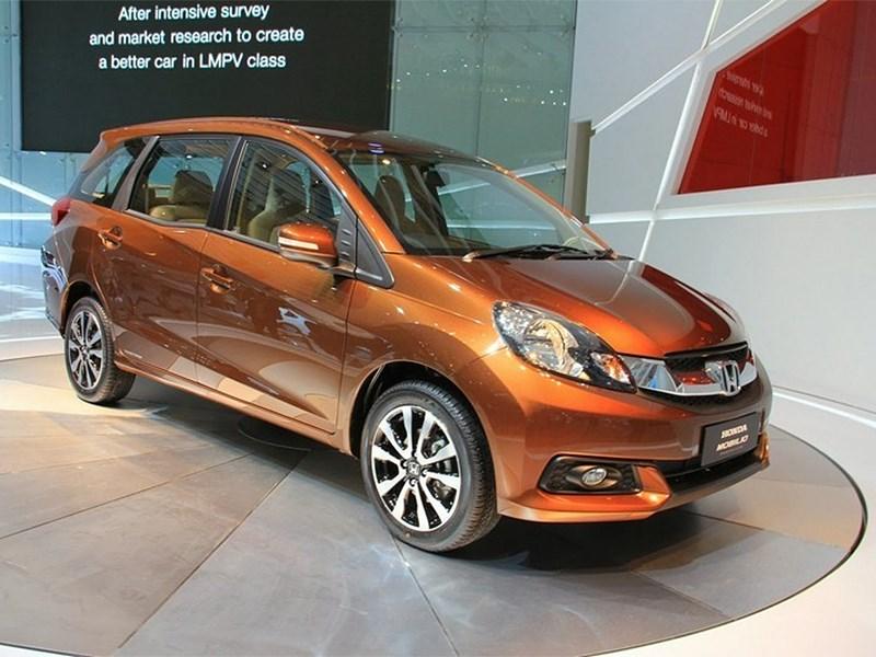 Honda показала новый минивэн Honda Mobilio