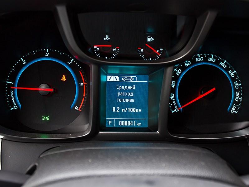 Chevrolet Orlando 2013 приборная панель