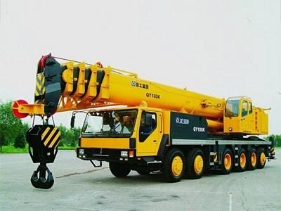 Под запрет на закупки импортного транспорта попала строительная техника