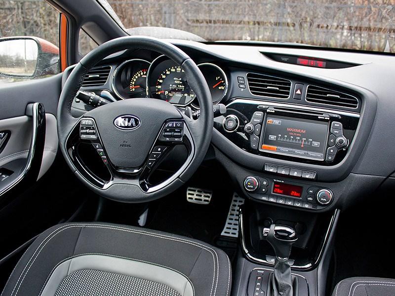 Kia Pro cee'd 2013 3 дв. водительское место