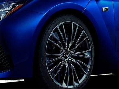 Lexus в Детройте покажет новую модель серии F
