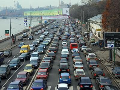 Половина российских автовладельцев ездят на отечественных машинах
