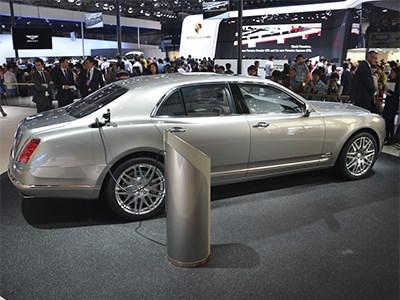 Bentley показал в Пекине свой первый концепт с гибридной силовой установкой