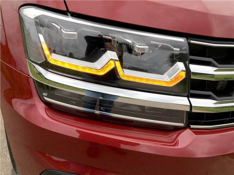 Volkswagen Teramont 2018 передняя фара