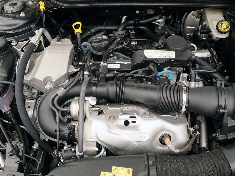 Infiniti Q30 2016 двигатель