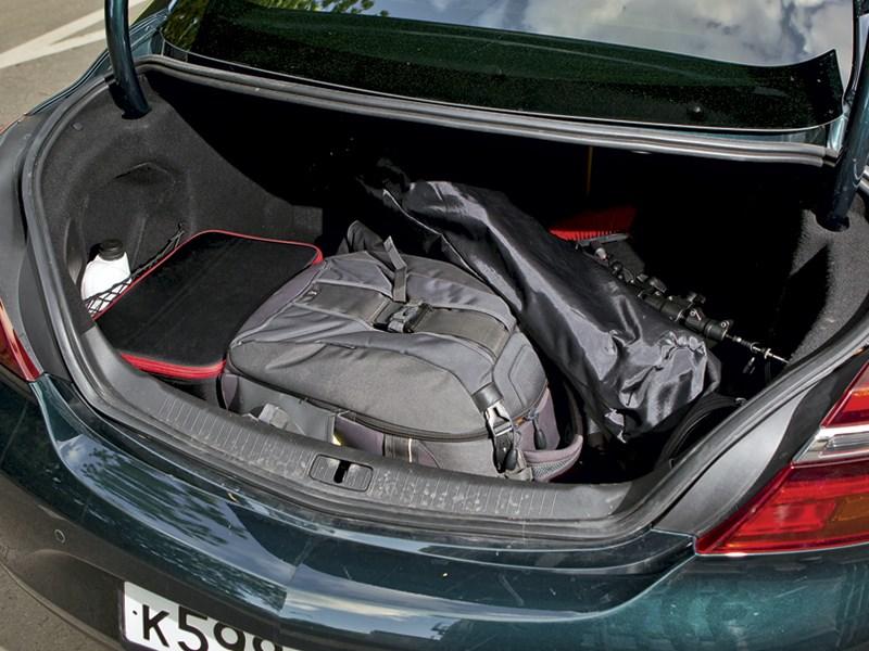 Opel Insignia 2014 багажное отделение