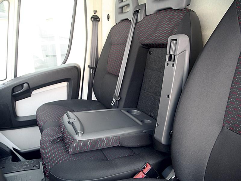 Peugeot Boxer 2014 передние кресла