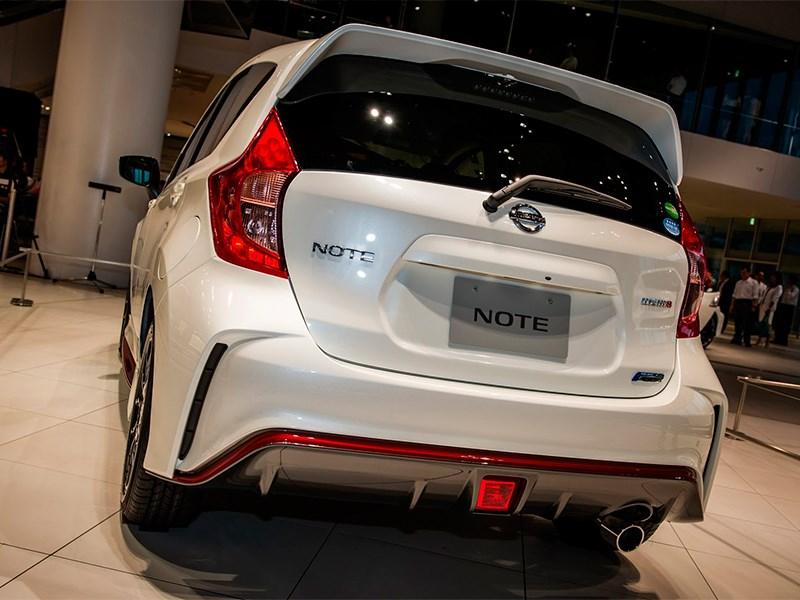 Nissan Note Nismo 2015 вид сзади