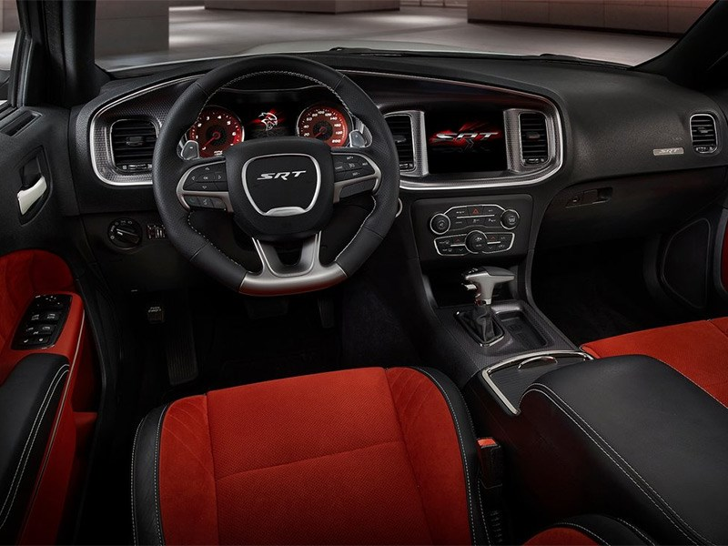 Dodge Charger SRT Hellcat 2015 салон
