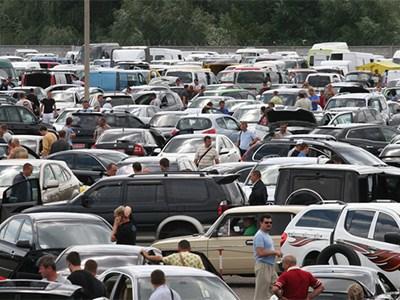 Автомобильный рынок Украины сократился на 58%